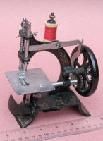 Muller Model 10 Cast Iron Toy Sewing Machine / TSM