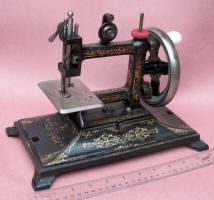Bremer & Bruckmann Colibri Toy Sewing Machine / TSM