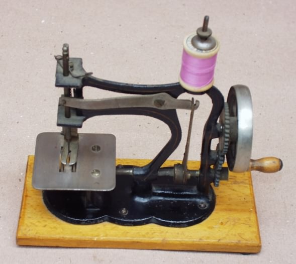 Cast Iron German Toy Sewing Machines Adorable German Sewing Machines Brands