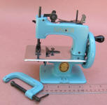 Blue Singer 20-10� TSM Toy Sewing Machine w/ Box