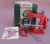 Red Singer Model 20 -10 Toy Sewing Machine / TSM w/ Original Box
