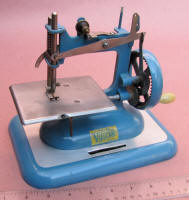 Vulcan English Toy Sewing Machine / TSM