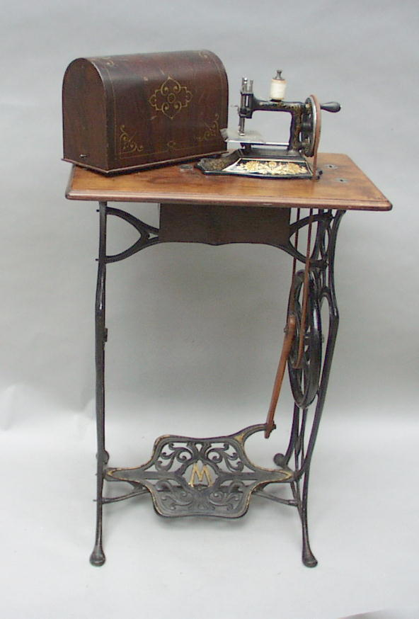 WwwAntiqBuyer Antique Treadle Sewing Machines Past Sales Archive Classy Pedal Sewing Machine For Sale