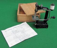 Peerless  Automatic Antique Cast Iron Sewing Machine