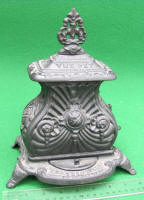 The Pet Cast Iron Toy Stove