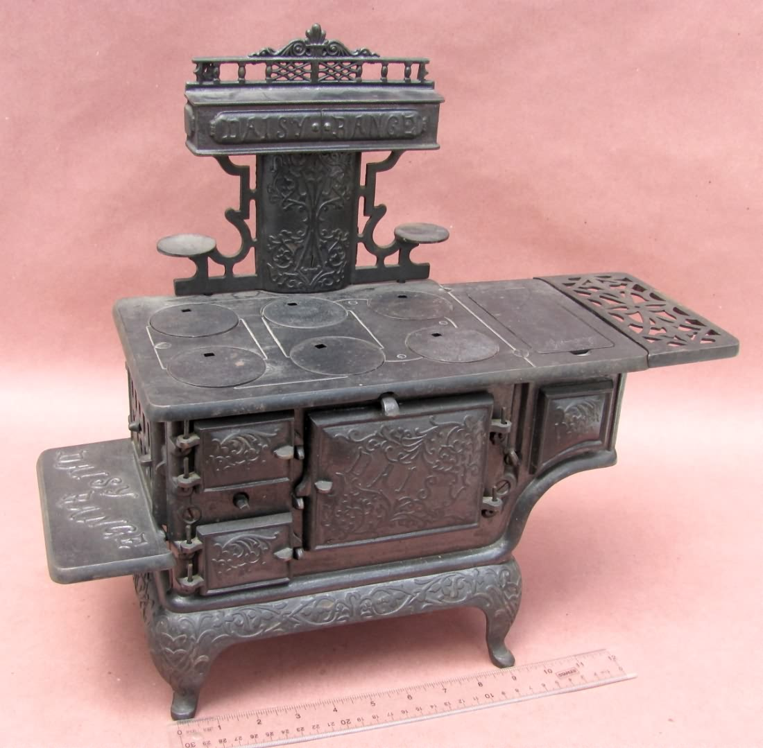 AntiqBuyer.com Salesman Sample & Toy Stoves Past Sales Archives