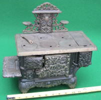 Kenton Acme Cast Iron Toy Cook Stove