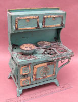 Blue Bird Toy Stove by Grey Iron