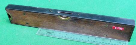 Stanley # 49 18 Walnut Plumb & Level w/ Cast Iron Frame