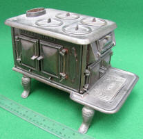 Britt & Folger Cin. O. Little Giant Cast Iron Stove