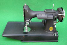 Super Rare 1940 Crinkle Finish Black Singer 221 Featherweight Sewing Machine (AF588937)