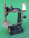 Smith & Egge Peerless Automatic Toy Sewing Machine / TSM