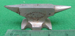 Hugo Hackenberg Dortmund Miniature Cast Iron Advertising Anvil / Salesman Sample / Paperweight