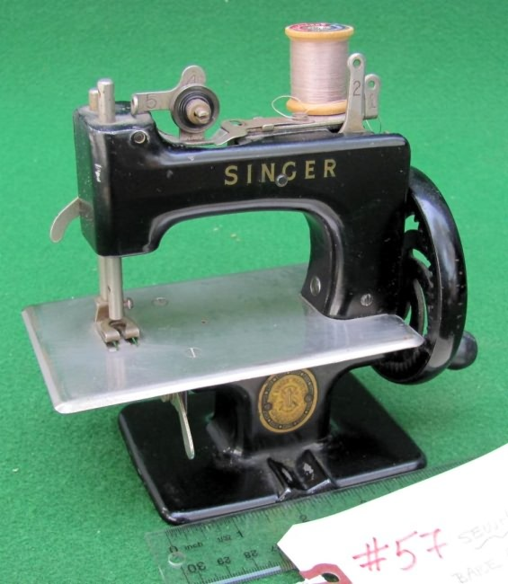 Meeker's WwwAntiqBuyer Past Sales Archive Antique Singer Toy Classy Singer 20 Sewing Machine
