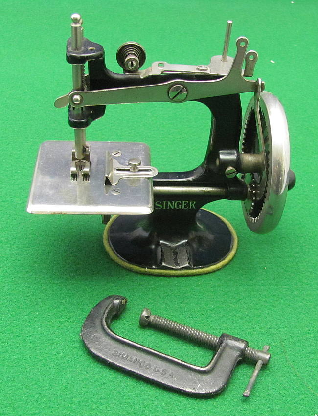 Meeker's WwwAntiqBuyer Past Sales Archive Antique Singer Toy Awesome Singer 20 Sewing Machine