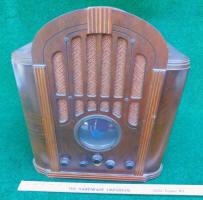 RCA # 143 Superhetrodyne 8 Tube Tombstone Radio