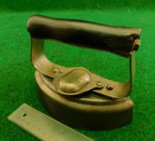 Patented-Antiques.com Sells Antique Pressing Irons