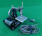 Singer Model 20 Electric Toy Sewing Machine / TSM