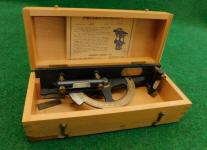 Warren Knight No. 203 Clinometer / Inclinometer - Cast Iron Level