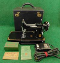 1933 Black Singer Featherweight Sewing Machine