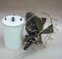 Edison Battery Powered Electric Fan w/ Cage & Battery Jar