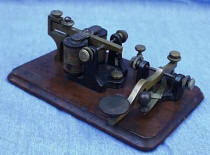Early  Bunnell Camelback Telegraph Key
