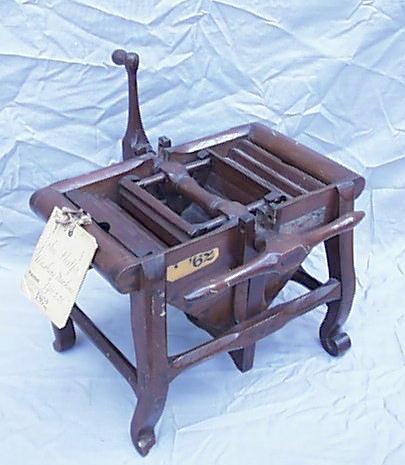 История стирки и первые стиральные машинки