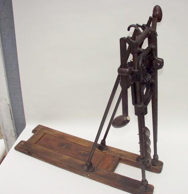 www.AntiqBuyer.com Past Sales Archive antique drills, auger bits ...