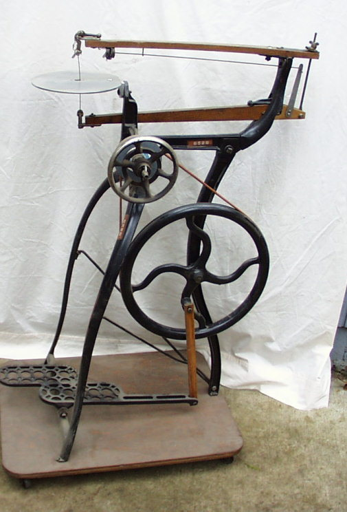 Simple 94 Antique American Woodworking Peddle Machine Jigsaw