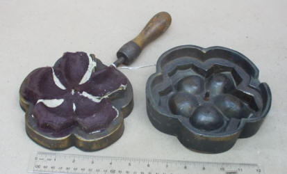 Large Silk Flower Iron / Leaf Iron