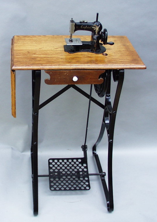 WwwAntiqBuyer Antique Sewing Machine Past Sales Results Archive Amazing Pedal Sewing Machine For Sale