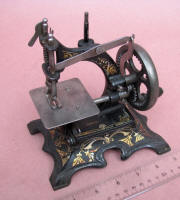 Muller #20 Toy / Travel Size / Child-Size Antique Sewing Machine