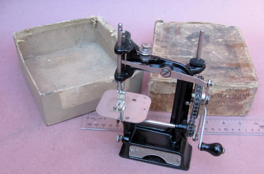 WwwAntiqBuyer Antique TSM Toy Sewing Machines Past Sales Archive Best Travel Size Sewing Machine
