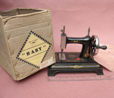 Cast Iron French Baby TSM / Toy Sewing Machine