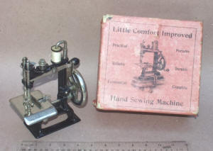 Little Comfort Improved Toy Sewing Machine