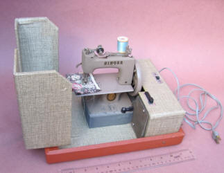 Singer Model 20-10 Beige TSM / Toy Sewing Machine in Orange Suitcase