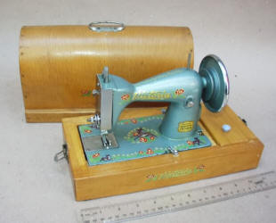 Victoria TSM Toy Sewing Machine