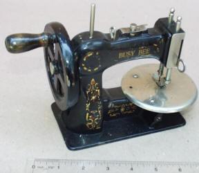 Busy Bee / Stitchwell TSM Toy Sewing Machine