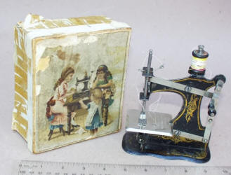 Muller Front Crank TSM / Toy Sewing Machine