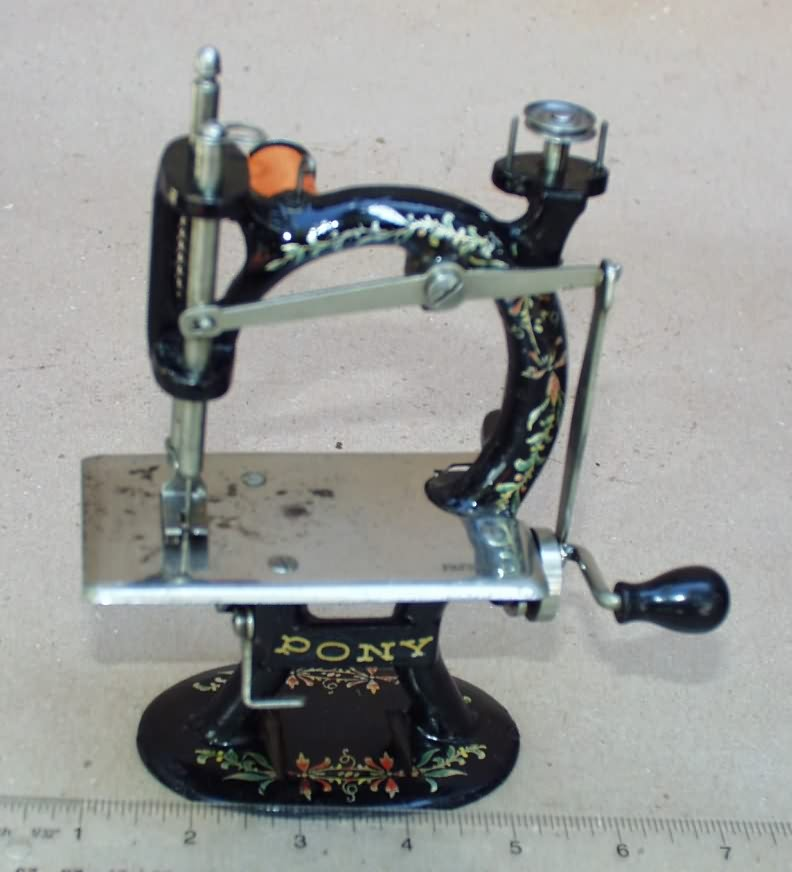 WwwAntiqBuyer Antique TSM Toy Sewing Machines Past Sales Archive Magnificent Travel Size Sewing Machine
