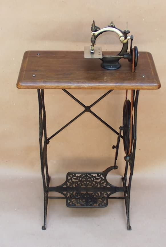 WwwAntiqBuyer Antique Treadle Sewing Machines Past Sales Archive Adorable Trundle Sewing Machine
