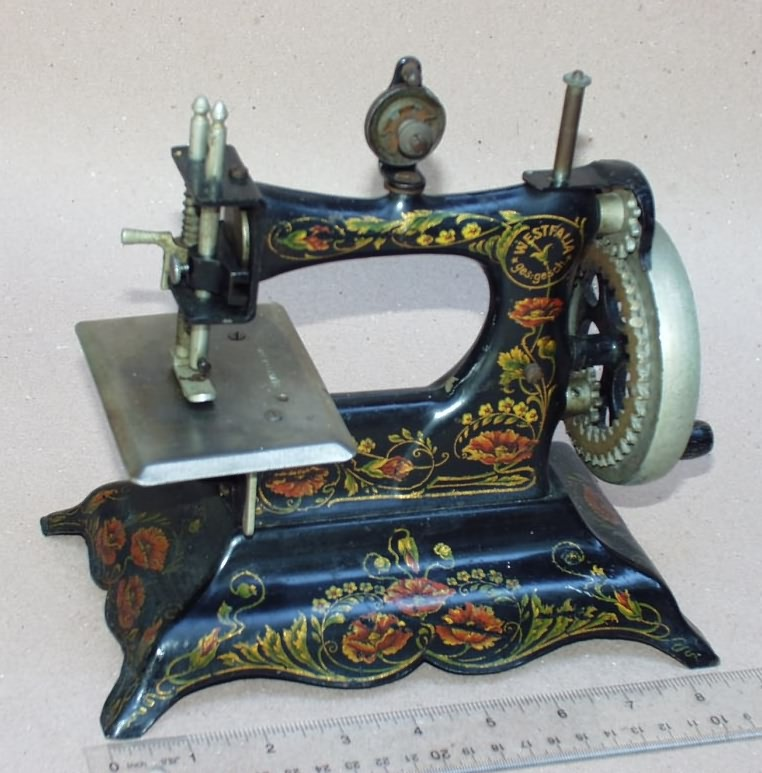 Cast Iron German Toy Sewing Machines Gorgeous German Sewing Machines Brands