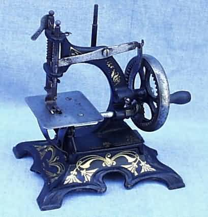 Cast Iron German Toy Sewing Machines Delectable Muller Sewing Machine