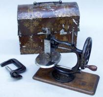 Flora  Cast Iron Sewing Machine
