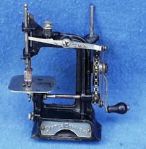Little Comfort Chain Drive TSM Toy / Travel Size / Child-Size Antique Sewing Machine