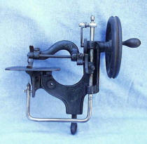Novelty Integral-Clamp Antique Sewing Machine
