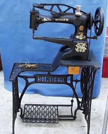 Singer  29-4 Leatherworkers Treadle Sewing Machine