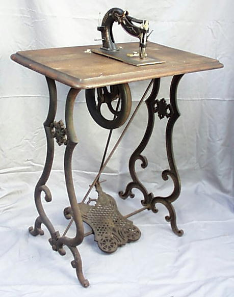Meeker's WwwAntiqBuyer Antique Sewing Machines Past Sales Archives Interesting Antique Pedal Sewing Machine