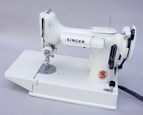 Carole Meeker Buys Sells Singer Model 40 40 Singer Featherweights Enchanting Where Can I Buy A Singer Sewing Machine