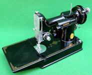 1947 Black Singer Featherweight 221 Sewing Machine (AH123185)